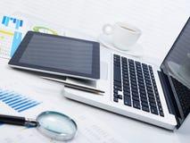 Финансовая работа на столе Стоковое Изображение RF
