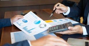 Финансовое введение cousultation дела встречи плановика бухгалтера стоковое изображение