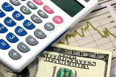 финансовое планирование крупного плана чалькулятора Стоковые Изображения RF