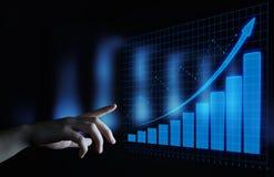 Финансовохозяйственная диаграмма Диаграмма фондовой биржи Концепция технологии интернета операций с ценными бумагами валют стоковые фото