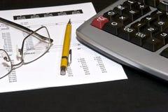 финансовохозяйственные заявления чтения Стоковая Фотография