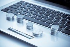 финансовохозяйственные онлайновые службы Стоковые Изображения RF