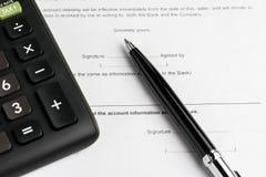 Финансовые заем, ипотека или покупка и надувательство денег заключают контракт с запретом стоковое фото rf