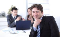 Финансовые менеджеры в рабочем месте Стоковое Изображение RF