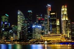 Финансовый район Сингапура центральный на ноче Стоковая Фотография RF