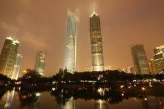 Финансовый центр мира Шанхая и башня Jinmao Стоковое Изображение