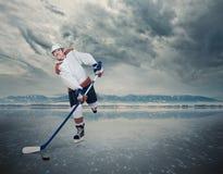 Финальная игра Хоккеист на кубе льда Стоковая Фотография RF