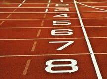 финишная черта след атлетики идущего старта Стоковое Изображение