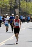 финишная черта человек около старого бегунка Стоковая Фотография RF