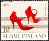 ФИНЛЯНДИЯ - 2009: выставки накренили ботинок, Minna Parikka, финская мода Стоковые Изображения RF