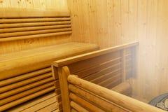финский нутряной sauna классицистический sauna деревянный Финская ванная комната Деревянная кабина сауны Деревянная комната Пар с Стоковые Фото