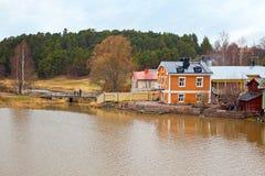 Финляндия Дома на береге реки Porvoo Стоковые Изображения RF