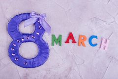 Фиолетовая диаграмма 8 и марш слова Стоковые Фотографии RF