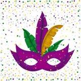 Фиолетовая маска масленицы и красочные пер с предпосылкой confetti Стоковая Фотография