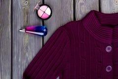 Фиолетовый пуловер шерстей, взгляд сверху Стоковое фото RF