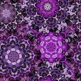 Фиолетовая безшовная картина с восточным orament мандал Флористический дизайн в ацтеке, turkish, Пакистане, индейце, китайском Стоковая Фотография