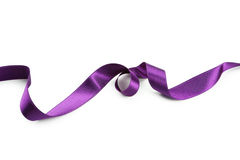 Фиолетовая лента на белой предпосылке Стоковое Изображение