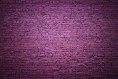 Фиолетовая кирпичная стена как предпосылка для дизайна Стоковые Фото