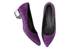 Фиолетовой ботинки высоко-накрененные маджентой с яркими блесками Новая пара st Стоковая Фотография RF