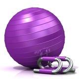 Фиолетовые бары шарика и нажима-вверх фитнеса Стоковые Изображения