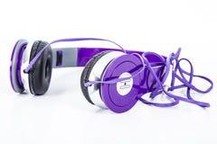 Фиолетовые наушники цвета Стоковые Фото