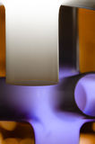 Фиолетовый и белый конспект стоковые изображения