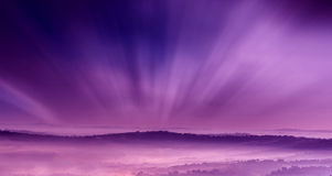Фиолетовый пейзаж с туманом Стоковое Фото