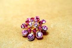 Фиолетовый песок драгоценности фибулы Стоковые Изображения RF