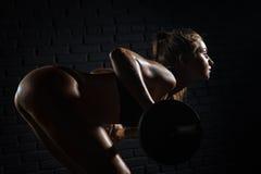 Фитнес, занимаясь культуризмом здоровье внимательности рукояток изолировало запаздывания Стоковое фото RF