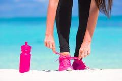 Фитнес и здоровая концепция образа жизни с женщиной Стоковые Фото