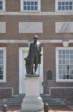 Филадельфия, 4-ое августа: Фронт статуи Вашингтона независимости Hall от Филадельфии в Пенсильвании стоковое фото rf
