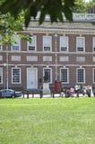 Филадельфия, 4-ое августа: Фронт статуи Вашингтона независимости Hall от Филадельфии в Пенсильвании стоковая фотография rf