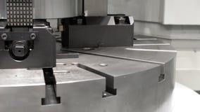 Филировальная машина CNC производит большой подвергать механической обработке части акции видеоматериалы