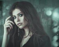 Фильм noir, портрет женщины красоты Стоковые Фото