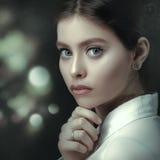 Фильм noir, портрет женщины красоты Стоковые Фотографии RF