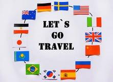 Флаги всех народов мира Группа в составе различные флаги мира на белизне мир во всем мире глобуса dove дня стоковые изображения rf