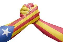 Флаги Испании и Каталонии бросая wrestling подготовляют Стоковая Фотография RF