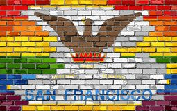 Флаги кирпичной стены Сан-Франциско и гомосексуалиста Стоковое Фото