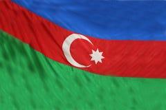 Флаг Азербайджана дуя в ветре окно текстуры детали предпосылки старое деревянное Реалистический флаг флага Азербайджана на волнис Стоковые Изображения
