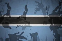 флаг Ботсваны на хаки текстуре винтовка s зеленого цвета m4a1 флага принципиальной схемы конца тела штурма панцыря воинская сняла Стоковые Изображения