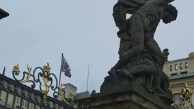 Флаг герба замка Праги акции видеоматериалы