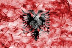 Флаг дыма Албании изолированный на белой предпосылке Стоковое фото RF