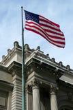 флаг здания исторический над s u Стоковое Изображение RF