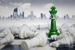 Флаг Саудовской Аравии с белыми шахматными фигурами Стоковые Фото
