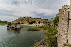 Флигель тюрьмы Rummu в искусственном озере Стоковые Изображения
