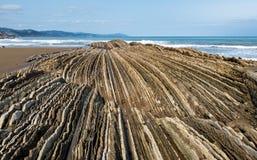 Флиш Itzurum в Zumaia - Баскониях, Испании стоковое изображение rf