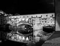 Флоренс к ночь в сверхконтрастное черно-белом стоковое изображение