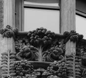 Флористическая деталь около части 10 окна Стоковое Изображение RF