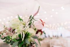 Флористический букет на светлой предпосылке Стоковые Фотографии RF