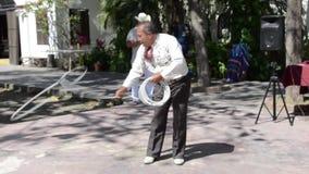 Фокусы веревочки Charro - Puerto Vallarta, Мексика сток-видео